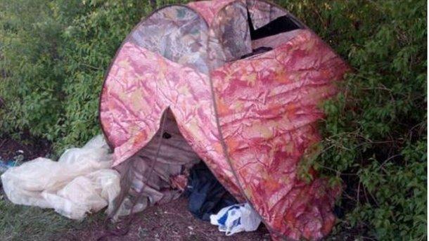НаПолтавщине мать проживала с2-летним сыном впалатке