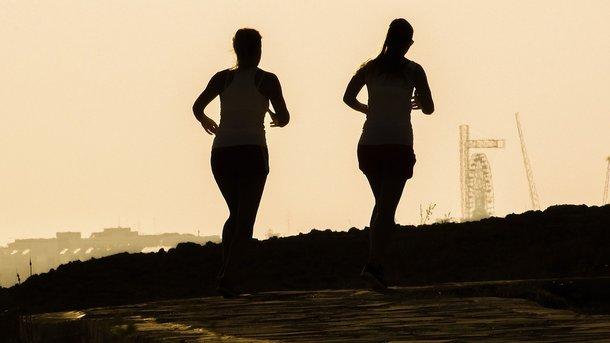 Почему болит бок во время бега