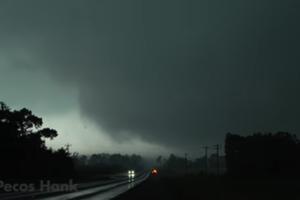 На США обрушились смертельные торнадо: появилось жуткое видео