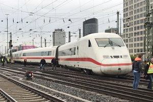 В Германии сошел с рельсов высокоскоростной поезд