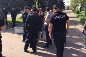 """В Одессе завязалась драка между патриотами и """"куликовцами"""""""