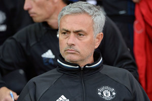 """Моуринью запретил игрокам """"Манчестер Юнайтед"""" пользоваться соцсетями"""