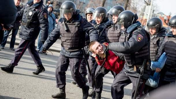 Путин назвал сдержанными действия милиции наакциях #Надоел