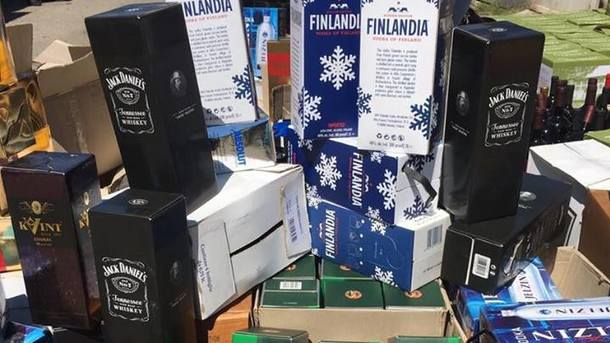 Правоохранители прикрыли вОдессе подпольный цех попроизводству алкоголя