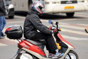 В Киеве грабители в шлемах обчистили ювелирный магазин