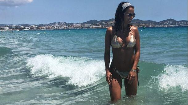 Жена разделась на пляже в турции