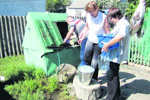 Жители Харьковской области пьют отравленную воду из колодцев: шокирующие данные