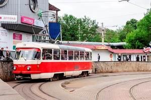 В Киеве временно отменят ночные скоростные трамваи меджу вокзалом и Борщаговкой