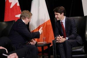 """Премьер Канады Джастин Трюдо надел на официальный прием носки с дроидами из """"Звездных войн"""""""