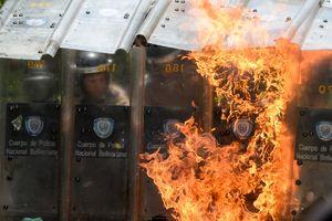 В Венесуэле начались масштабные аресты военных