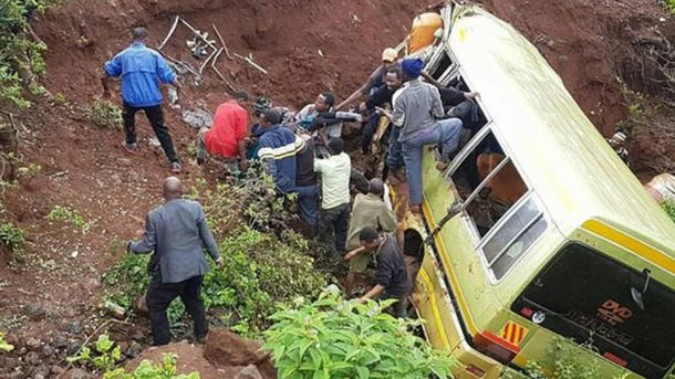ВТанзании разбился ученический автобус, большое количество погибших