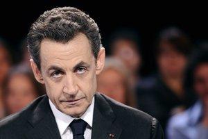 Саркози проголосовал на президенстких выборах во Франции