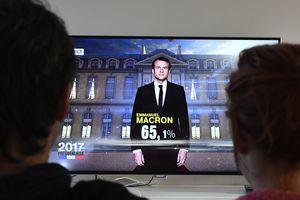 Макрон уверенно победил во втором туре президентских выборов во Франции - СМИ