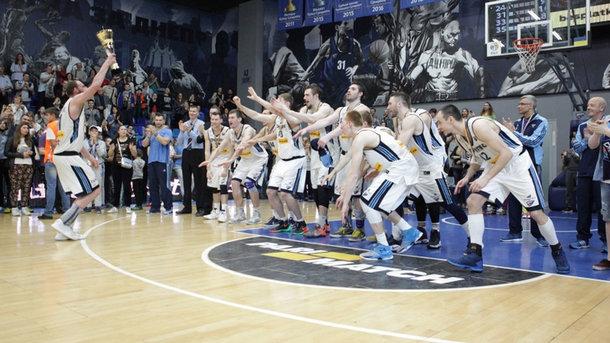 «Днепр» завоевал «бронзу» украинской Суперлиги