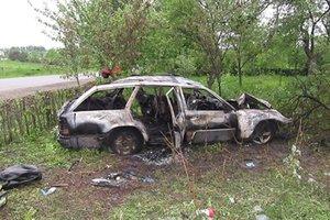 Смертельное ДТП на Прикарпатье: машина влетела в дерево  и загорелась