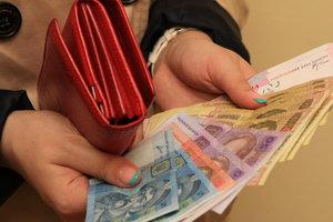 Почему украинцы зарабатывают все больше денег, но не богатеют