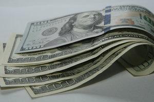 Доллар в Украине вернулся к падению