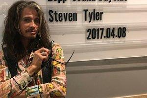 Солист группы Aerosmith Стивен Тайлер стал дедушкой в четвертый раз