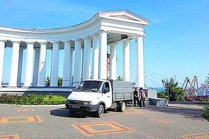 Воронцовскую колоннаду в Одессе спрятали за забором от туристов