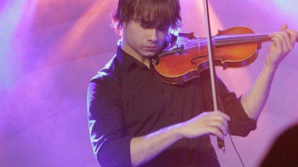 Победитель «Евровидения-2009» сыграл песню Джамалы «1944» наскрипке