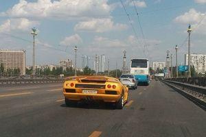 """В Украине засветился уникальный """"президентский"""" Lamborghini"""