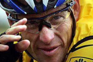 Легендарный велогонщик Лэнс Армстронг оригинально опроверг слухи о своей смерти