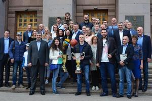Лучшие баскетбольные команды Украины побывали на приеме у Виталия Кличко