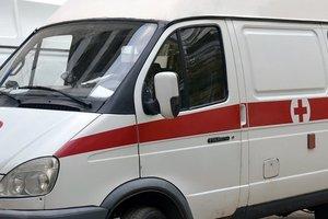 В Одессе на трамвайной остановке умер мужчина
