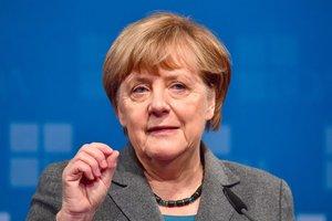 Меркель рассказала, чего ждет от встречи с Макроном