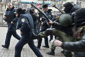 В СБУ рассказали, сколько платят титушкам за драки с полицией