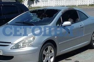 В Киеве неизвестные подожгли припаркованную иномарку