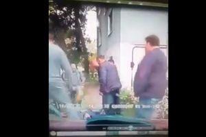 Охрана Яроша и таксисты: в сеть попало видео драки со стрельбой в Каменском (18+)