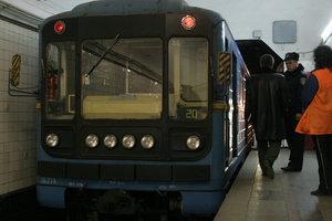 Подробности ЧП в киевском метро: поезда остановились из-за бездомного в тоннеле