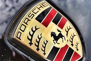 """В Одессе угнали """"Porsche Cayenne"""" при помощи устройства для слежки"""