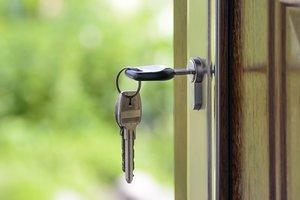 Одесситки прокрутили квартирные аферы
