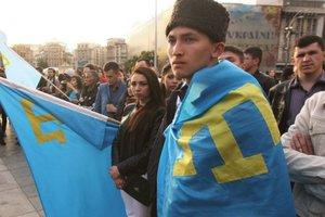 Порошенко: Кремлевские опричники продолжают терроризировать крымских татар