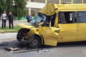 Подробности ДТП в Новомосковске: пострадали 15 пассажиров, водитель – в реанимации