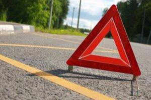 В Винницкой области водитель легковушки въехал в школьный автобус