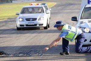 """Как полиция ловит нарушителей с помощью """"ежей"""""""