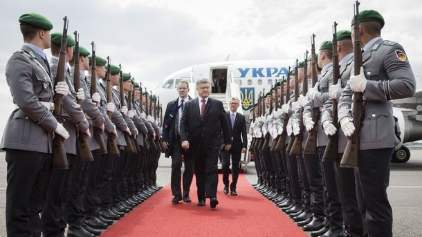ВГермании завершились переговоры Порошенко иМеркель