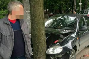 В Харькове пьяный водитель устроил опасное ДТП и давал взятку копам