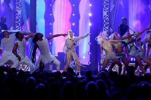 71-летняя Шер в откровенном костюме устроила фурор на премии Billboard Music Awards