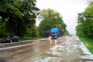 Непогода в Крыму: потоп в Симферополе и град в пригороде