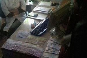 """На Прикарпатье медики легализировали взятки и """"содрали"""" с пациентов миллион"""