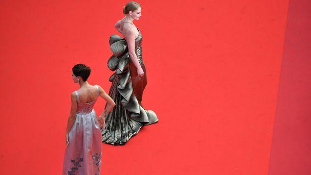 Светлана Ходченкова взолотом одеяние произвела фурор вКаннах— российский десант