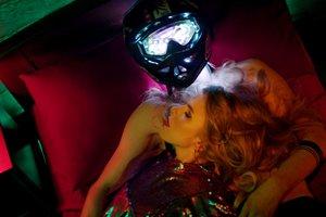 Опасные трюки и безумная любовь: Ассоль представила новый клип