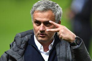 Моуринью - самый возрастной тренер-победитель Лиги Европы