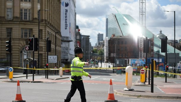 Правоохранительные органы Великобритании задержали восемь человек поделу отеракте вМанчестере