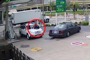 В США женщина отбила свой автомобиль у угонщиков
