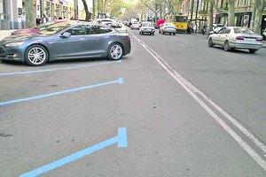 Скандал в Одессе: центр перекрыли ради парковки, а главного парковщика поймали на взятке